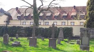 Kloster Kirchberg mit Nonnenfriedhof